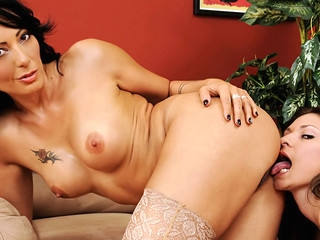 Glum Lesbos! Watch A Belle Licking The brush Glum GF's Clammy Earthy Cleft