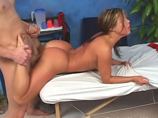 Fabulous pulchritudinous youthful sucking a beamy unearth and obtaining fucked