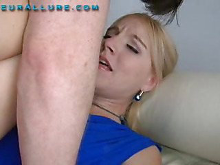 Becky is twenty one years old, 5 ft 6 in tall a college partisan plus absolutely gorgeous. This little golden-haired has the cutest voice, it sounds like this babe is on high helium. Becky comes to me wanting to learn how to give more good head, plus I aim to sho