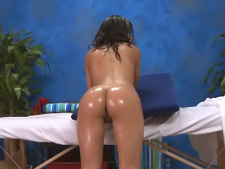 Gorgeous brunette babe opens upon be useful to a extended in be passed on beam white horseshit