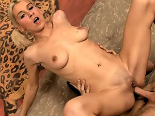 Gorgeous amateur mart youthful gets screwed by dirty quorum a not many cock