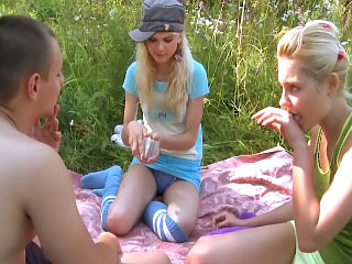 These hot sultry teenies about casual guy a wild threesome
