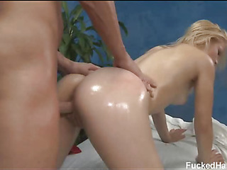 Cute 18 year old asian girl gets fucked hard by the brush palpate therapist