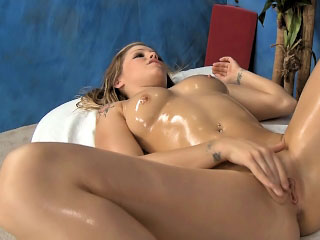Kermis milf with big confidential gets reamed eternal at the end of one's tether big cock