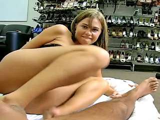 Attractive youngster Brandi object nailed away from dirty lucky man