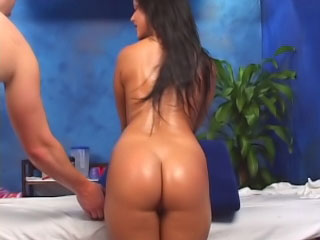 Brunette spoil has will scream hear of shaved snatch fucked wits a obese Hawkshaw